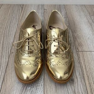 Sam Edelman gold leather Oxford shoes